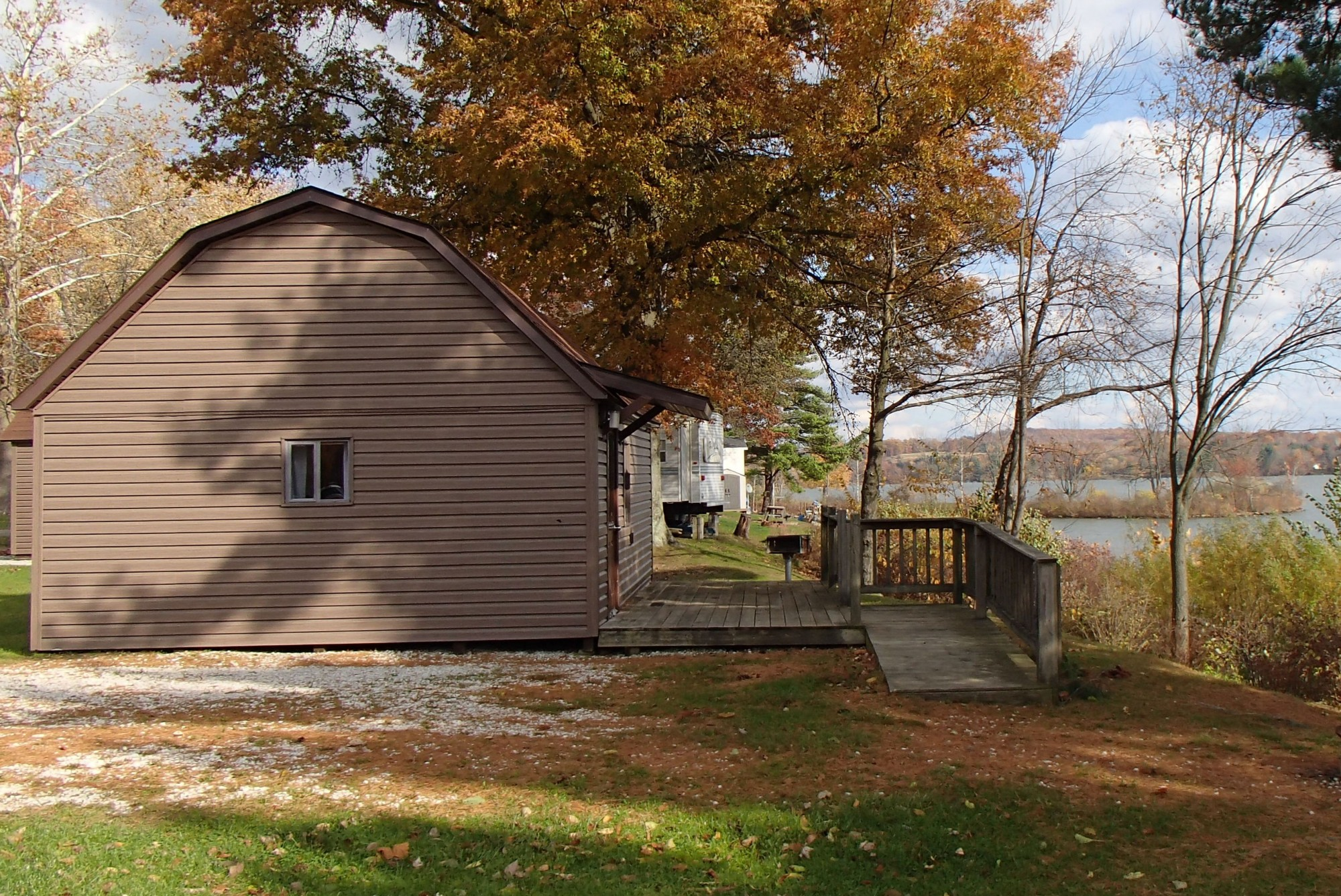 vacation hill cabins cabin lake park img ohio accommodations rates pleasant rentals
